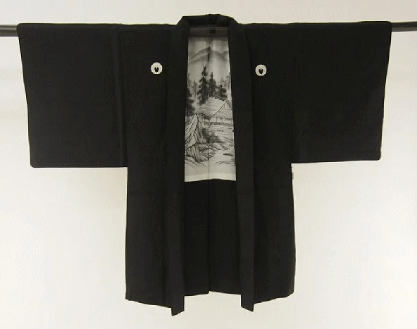家紋がついている紋付の着物の処分