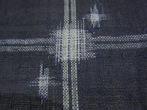 上布の着物の模様は絣や十字絣が多い