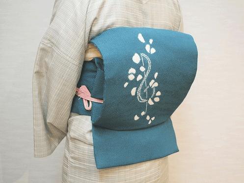 京袋帯の一重太鼓結び