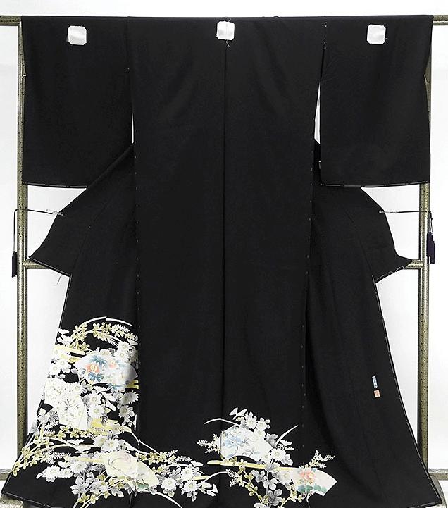 加賀友禅の黒留袖画像と値段相場